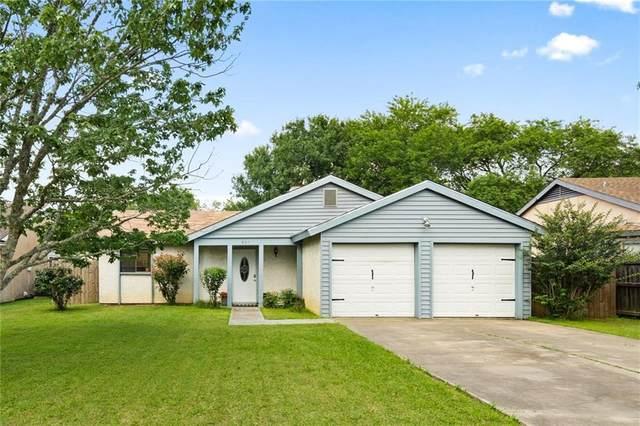 805 Travis St, Lockhart, TX 78644 (#1177020) :: Watters International