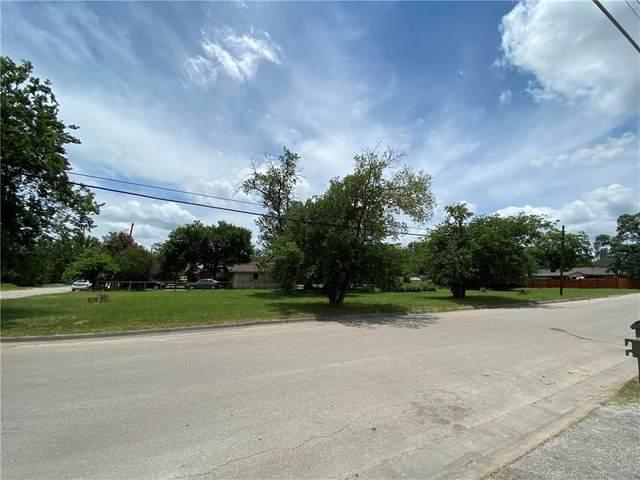 1106 Reyes St, San Marcos, TX 78666 (MLS #1196355) :: HergGroup San Antonio Team