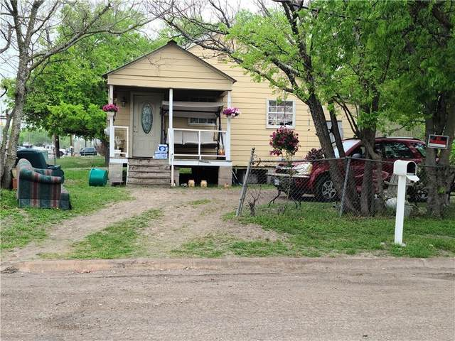 306 Booth St, Taylor, TX 76574 (#1209032) :: Front Real Estate Co.