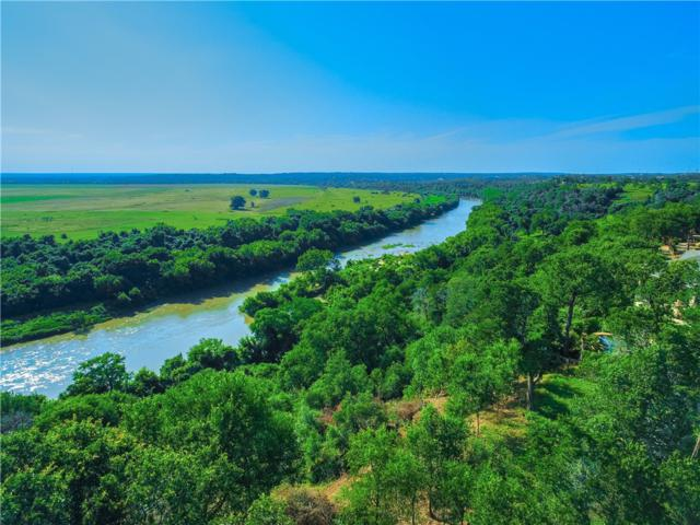 172 Riverwalk Ln, Bastrop, TX 78602 (#1274970) :: The Perry Henderson Group at Berkshire Hathaway Texas Realty