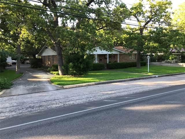 705 N Milam St N, Fredericksburg, TX 78624 (#1296418) :: Front Real Estate Co.
