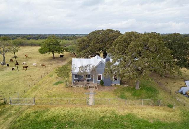 7646 County Road 240 Rd, Waelder, TX 78959 (#1363728) :: Papasan Real Estate Team @ Keller Williams Realty