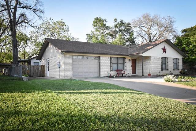 1600 Pecos Ave, Rockdale, TX 76567 (#1388697) :: The Perry Henderson Group at Berkshire Hathaway Texas Realty
