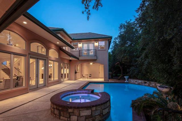 8 Tiburon Ct, The Hills, TX 78738 (#1516472) :: The Perry Henderson Group at Berkshire Hathaway Texas Realty