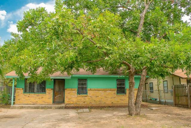 911 Fiesta St, Austin, TX 78702 (#1518573) :: Ana Luxury Homes