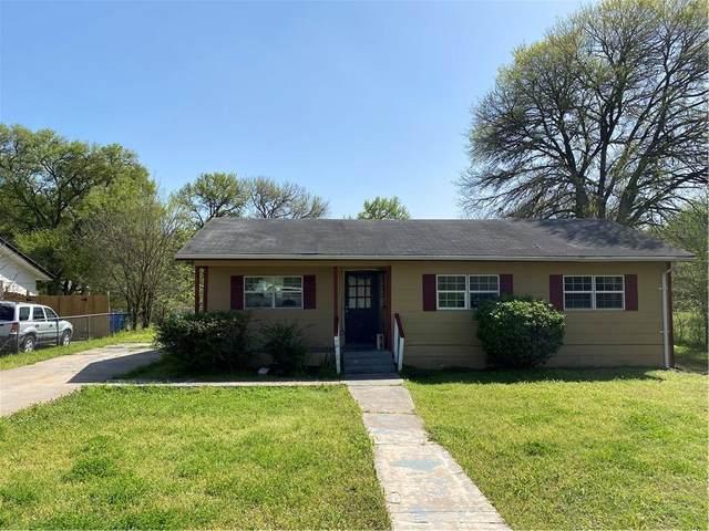905 Linden St, Bastrop, TX 78602 (#1553368) :: Realty Executives - Town & Country