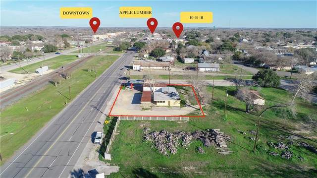 102 W Pierce St, Luling, TX 78648 (#1571370) :: The Perry Henderson Group at Berkshire Hathaway Texas Realty