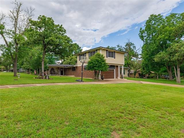70 Post Oak Pl, Rockdale, TX 76567 (#1739309) :: The Perry Henderson Group at Berkshire Hathaway Texas Realty