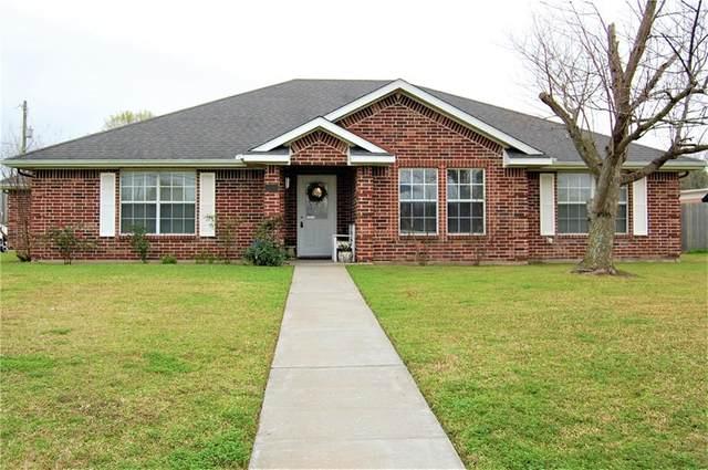 1000 Center St, Lockhart, TX 78644 (#1769163) :: Ben Kinney Real Estate Team