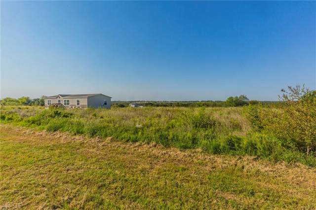 2758 Twilight Glen Trl, Uhland, TX 78640 (#1822155) :: Green City Realty