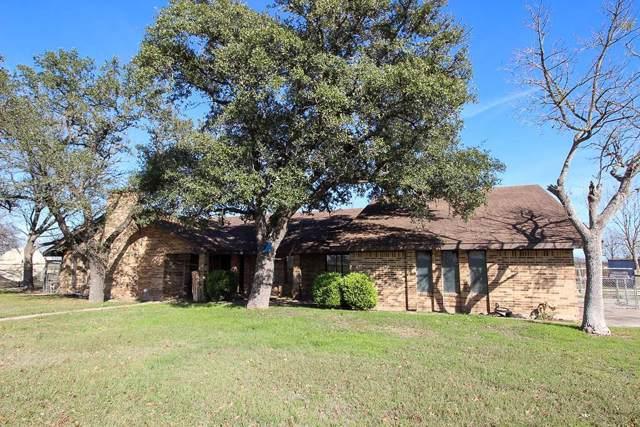 2106 S Colorado St, Lockhart, TX 78644 (#1874842) :: Douglas Residential