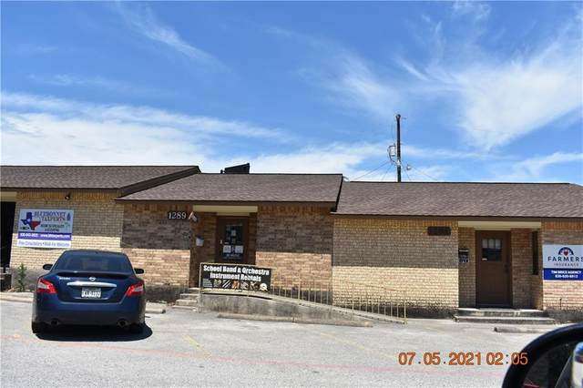 1289 E Common St, New Braunfels, TX 78130 (#1940354) :: Empyral Group Realtors