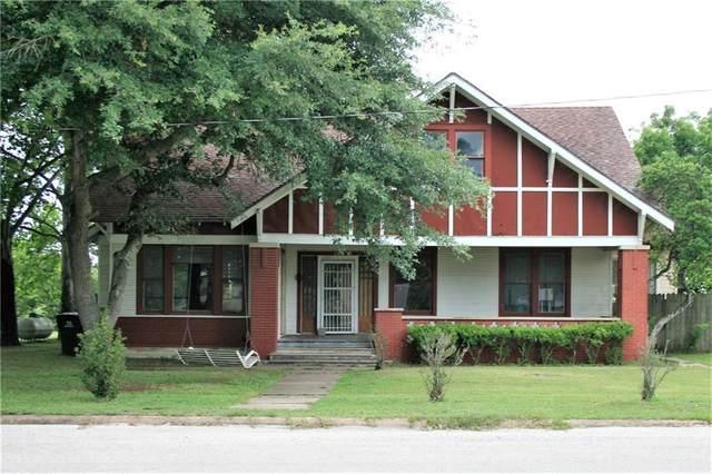 422 N W Main St, Flatonia, TX 78941 (#1942758) :: Ben Kinney Real Estate Team
