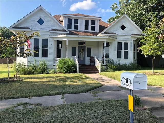 711 Summit St, Schulenburg, TX 78956 (#2114882) :: First Texas Brokerage Company