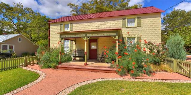 404 N Milam St, Fredericksburg, TX 78624 (#2143955) :: Zina & Co. Real Estate