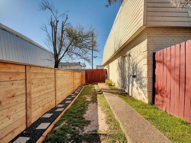2215 Mission Hill Cir, Austin, TX 78741 (#2159179) :: Papasan Real Estate Team @ Keller Williams Realty