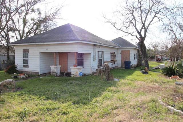 307 N Patterson Ave, Florence, TX 76527 (#2386863) :: 12 Points Group