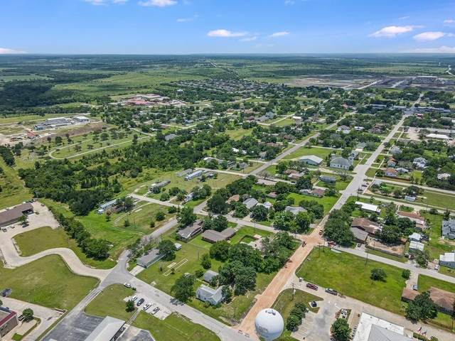 301 E Lane Ave, Manor, TX 78653 (#2433229) :: Papasan Real Estate Team @ Keller Williams Realty