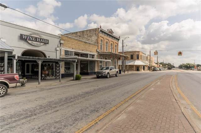 110 W North Main St, Flatonia, TX 78941 (#2435169) :: The Perry Henderson Group at Berkshire Hathaway Texas Realty