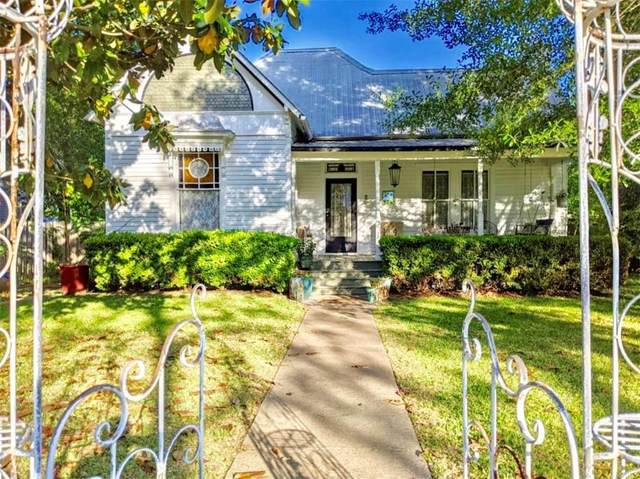 502 W Burleson St, Smithville, TX 78957 (#2462358) :: Zina & Co. Real Estate