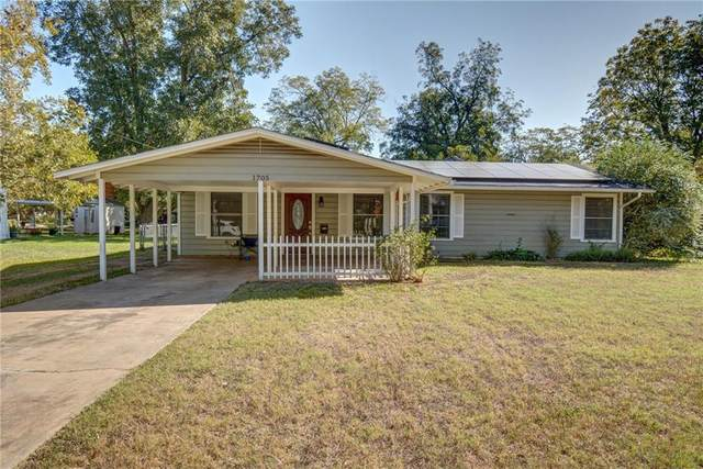 1705 Main St, Bastrop, TX 78602 (#2495501) :: Realty Executives - Town & Country