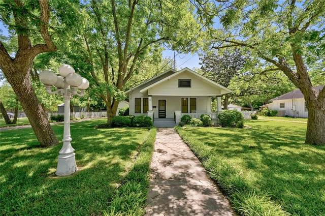 510 S Guadalupe St, Lockhart, TX 78644 (#2515923) :: R3 Marketing Group