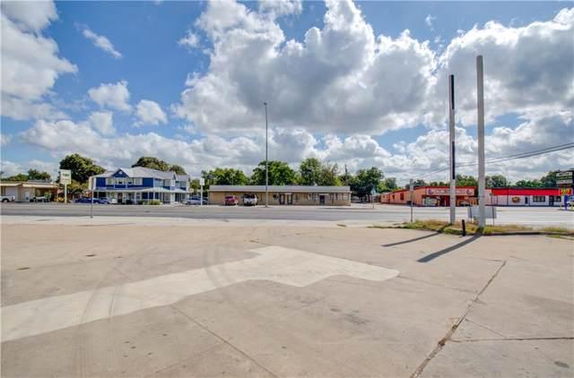 107 S Key Ave, Lampasas, TX 76550 (#2566000) :: The Perry Henderson Group at Berkshire Hathaway Texas Realty
