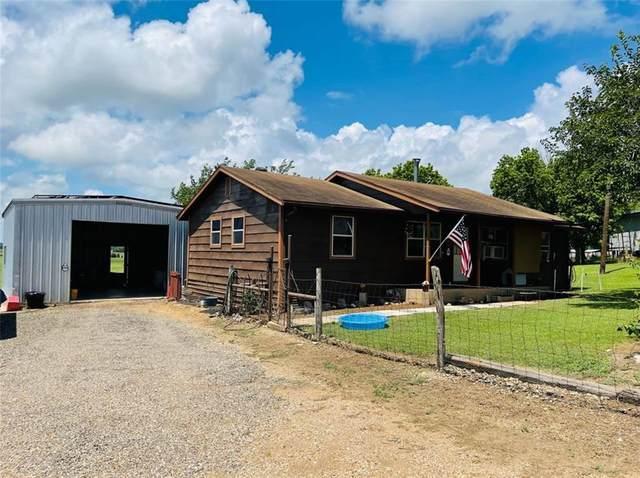 1005 E Gillis Ave, Cameron, TX 76520 (#2724274) :: Zina & Co. Real Estate