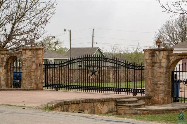703 N 5th St, Jarrell, TX 76537 (#2738429) :: Lucido Global