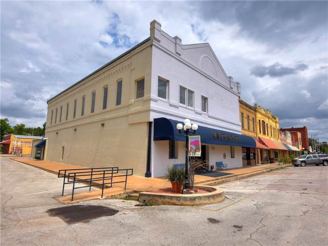 201 Main St, Smithville, TX 78957 (#2748073) :: The Perry Henderson Group at Berkshire Hathaway Texas Realty