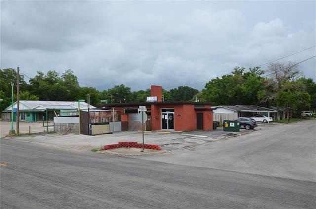 1402 St Louis St, Gonzales, TX 78629 (#2822053) :: Papasan Real Estate Team @ Keller Williams Realty