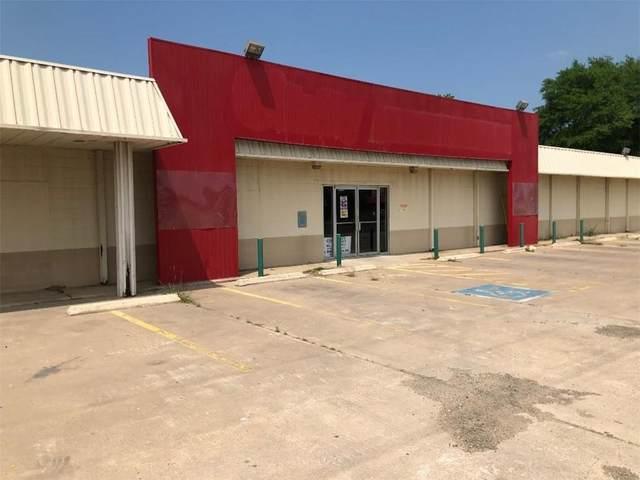 1004 W Cameron Ave, Rockdale, TX 76567 (#2830568) :: Lancashire Group at Keller Williams Realty