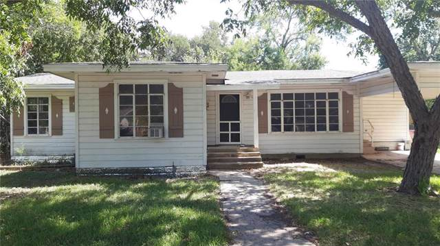 906 Plum St, Lockhart, TX 78644 (#2856190) :: The Perry Henderson Group at Berkshire Hathaway Texas Realty