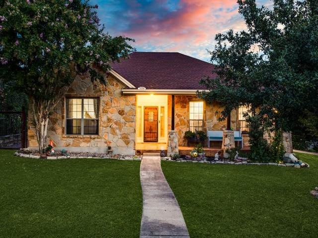10243 Twin Lake Loop, Dripping Springs, TX 78620 (#2892430) :: The Summers Group