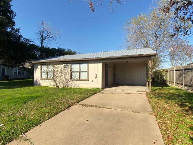 557 E Hempstead St, Giddings, TX 78942 (#2931872) :: The Perry Henderson Group at Berkshire Hathaway Texas Realty