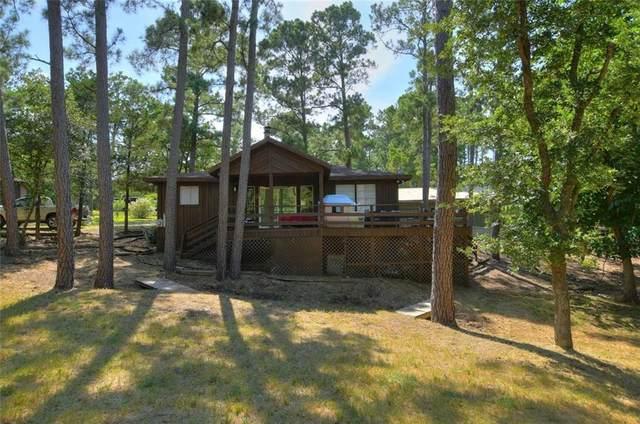 104 Broken Bow, La Grange, TX 78945 (#3043851) :: Papasan Real Estate Team @ Keller Williams Realty