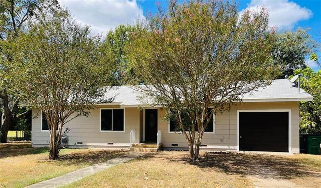 2102 N Austin Ave, Cameron, TX 76520 (#3065055) :: The Summers Group