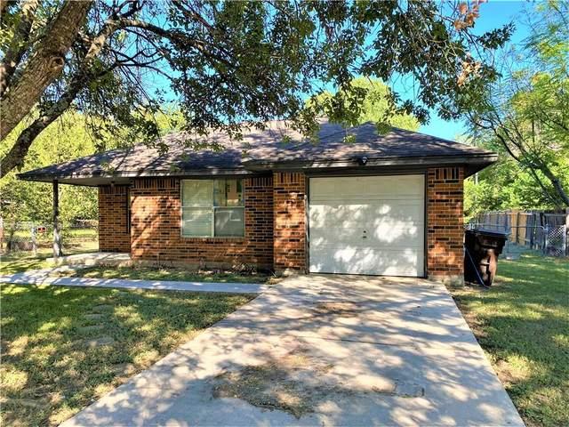 1311 Wilson St, Lockhart, TX 78644 (#3098972) :: Cord Shiflet Group