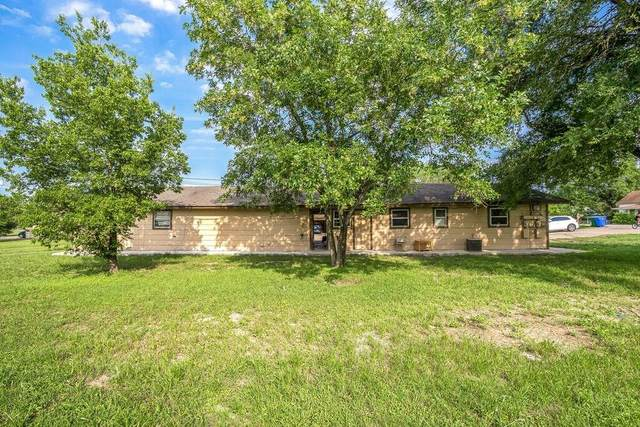 303 E Eggleston St, Manor, TX 78653 (#3208265) :: Zina & Co. Real Estate