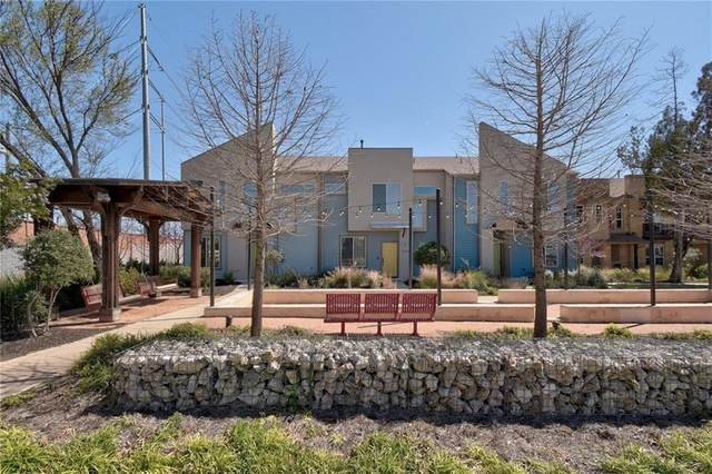 7515 Sugar Magnolia St, Austin, TX 78757 (#3219149) :: Umlauf Properties Group