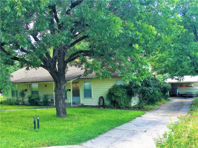 601 S Howe St, Lampasas, TX 76550 (#3293760) :: The Heyl Group at Keller Williams