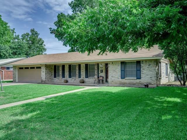 3006 Skylark Dr, Austin, TX 78757 (#3305388) :: Umlauf Properties Group