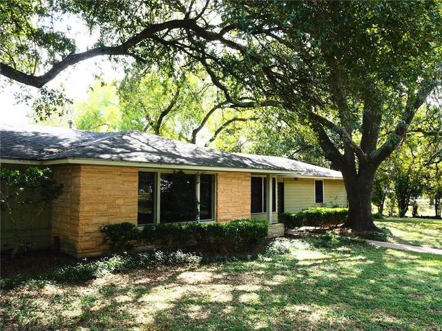 349 W Milam St, La Grange, TX 78945 (#3331921) :: First Texas Brokerage Company