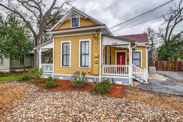 532 S Sycamore Ave, New Braunfels, TX 78130 (#3393551) :: Watters International