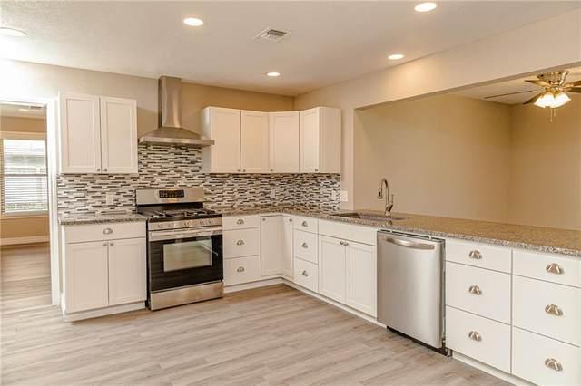 446 S Wilson Ave, Giddings, TX 78942 (#3492147) :: Papasan Real Estate Team @ Keller Williams Realty