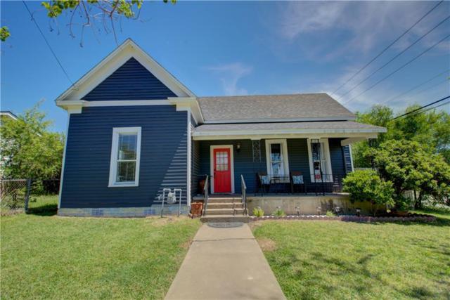 810 N Ellis St, Giddings, TX 78942 (#3567480) :: The Perry Henderson Group at Berkshire Hathaway Texas Realty