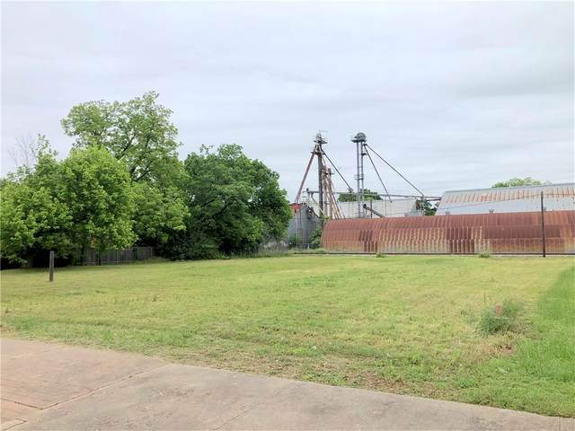 301 N Main St, Elgin, TX 78621 (#3570480) :: Front Real Estate Co.