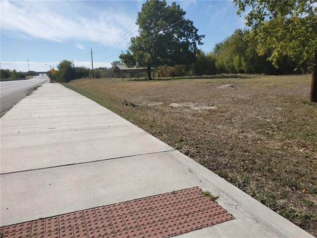 107 W Mustang St, Taylor, TX 76574 (#3633654) :: Lucido Global