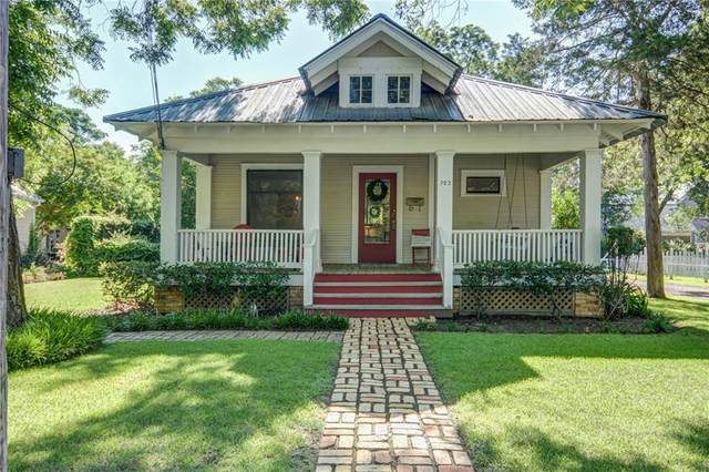703 Pecan St, Bastrop, TX 78602 (#3787117) :: The Perry Henderson Group at Berkshire Hathaway Texas Realty