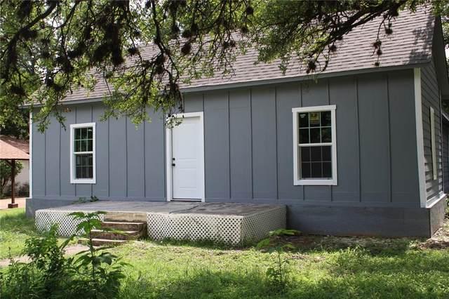 300 S Rhomberg St, Burnet, TX 78611 (#3811778) :: Papasan Real Estate Team @ Keller Williams Realty